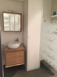 Avenue de Suffren salle de douches pour jeune fille