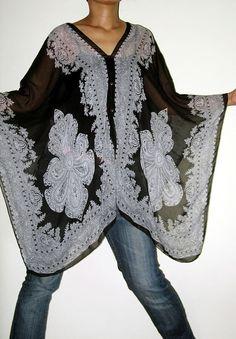 Gypsy Scarf Caftan Wing Casual Poncho Cover Top by Izzashop Hippie Style, Bohemian Style, Boho Chic, My Style, Poncho Tops, Chiffon, Boho Fashion, Womens Fashion, Estilo Boho