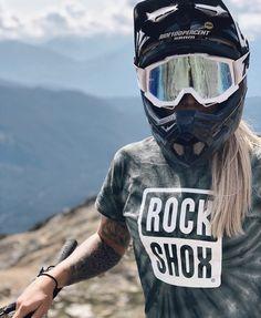 Freeride Mountain Bike, All Mountain Bike, Mountain Biking Women, Downhill Bike, Mtb Bike, Bicycle Women, Bicycle Girl, Bike Pic, Bike Photography