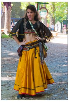 This is a very rare photo of an ancient gypsy woman named Pip from the Kumpania Boleyn. She led the rebellion against a rival gypsy clan called the Le' Wanabee. Renaissance Gypsy, Renaissance Fair Costume, Costume Ideas, Costumes, Gypsy Costume, Women Names, Rare Photos, Elf, Medieval