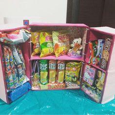 お菓子冷蔵庫って知ってる?簡単な作り方&作品集☆ – Handful[ハンドフル] Pen Pal Letters, Pop Tarts, Snack Recipes, Chips, Happy Birthday, Packaging, Handmade, Crafts, Food
