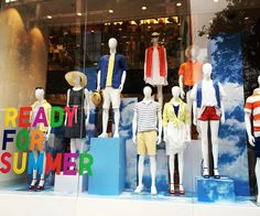 "UNIQLO, Oxford Circus, London, UK, ""Repeat after me...READY FOR SUMMER...1,2,3..REA...."", photo by Trendz Bureau, pinned by Ton van der Veer"