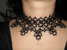 Tour de cou noir en dentelle de frivolite, collier gothique, victorien , collier dentelle noire