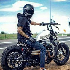 #caferacer #caferacercol #caferacercolombia #superbike #bike #motos #1000cc #instamoto #instafollow #supermoto #topspeed #trip #dosruedas #casco #medellin #race #instavideos #colombia #bogota #motoscolombia #monster #vintage #scorpiocustom #helmet #helmetcaferacer #scrambler #bobber #caferacerbogota #harleydavidson #fortyeight