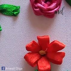 Most current Free of Charge silk ribbon Embroidery Patterns Ideas In this tutorial we make basic flowers embroidered with ribbons. Hand Embroidery Videos, Embroidery Stitches Tutorial, Embroidery Flowers Pattern, Silk Ribbon Embroidery, Hand Embroidery Designs, Diy Embroidery, Embroidered Flowers, Embroidery Sampler, Ribbon Sewing