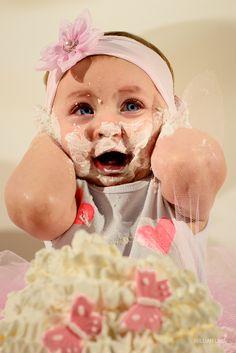 Ensaio Smash the Cake feito em Casa. Cores Rosa e Pérola.