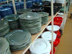 passeio-porto-ferreira-cidade-ceramica-monta-encanta16 Plates, Tableware, Kitchen, House Decor Shop, Home Decor Ideas, Floor Vases, New Kitchen, Wood, Traveling