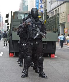 Taiwan's Special Forces wearing Kevlar ballistic masks.