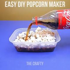 Amazing Food Hacks Easy Ways to make food with these hacks. Related posts: Amazing Cloths DIY Hacks Amazing Cooking Hacks 6 Clever Fashion Hacks Life Changing Fashion Hacks All Women Should Know Diy Crafts Hacks, Food Crafts, Diy Home Crafts, Diy Arts And Crafts, Diy Food, Art Hacks, Kids Crafts, Easy Crafts, How To Make Popcorn