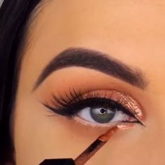 Moden verblassen # 013 Medieninhalte und -analysen - Prom Makeup Ideas - Make Up Makeup 101, Makeup Goals, Makeup Trends, Skin Makeup, Makeup Inspo, Eyeshadow Makeup, Makeup Inspiration, Beauty Makeup, Eyeshadow Ideas