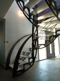 Escalier design double quart tournant de style Art Nouveau, créé par Jean Luc Chevallier pour La Stylique.