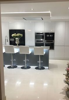 Kitchen Top choice The post Kitchen Top choice appeared first on Best Pins for Yours - Kitchen Decoration Kitchen Room Design, Luxury Kitchen Design, Contemporary Kitchen Design, Kitchen Cabinet Design, Luxury Kitchens, Kitchen Layout, Home Decor Kitchen, Interior Design Kitchen, Home Kitchens