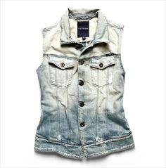 Arc sleeveless jacket