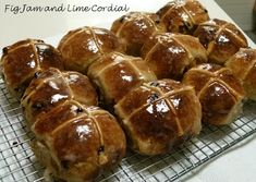 Sourdough hot cross buns - Fig Jam and Lime Cordial Fig Jam And Lime Cordial, Hot Cross Buns, Easter Brunch, Fermented Foods, How To Make Bread, Pretzel Bites, Baked Potato, Bakery, Ethnic Recipes