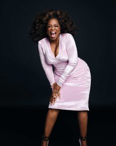 Watch Oprah Dance Around in Sequins and Velour at InStyle's March Cover Shoot Role Models, Female Models, Versace Pink, Instyle Magazine, Fashion Videos, Women's Fashion, Fashion Trends, Oprah Winfrey, Celebs