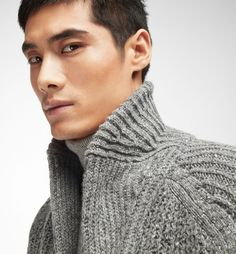 CARDIGAN WITH NECKLINE DETAIL - MEN - Massimo Dutti
