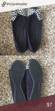 9528517cf38 Shop Women s Maurices Black size 6 Flats   Loafers at a discounted price at  Poshmark.