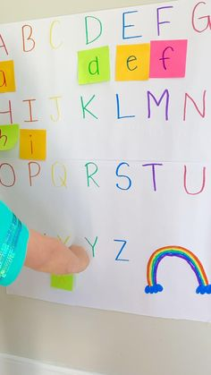 Preschool Learning Games, Kindergarten Learning, Play Based Learning, Preschool At Home, Montessori Activities, Preschool Activities, Teaching Kids, Letter Recognition Kindergarten, Kids Education