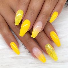 Trendy Yellow Nail Art Designs To Make You Stunning In Summer?Acrylic Or Gel Nails; French Or Coffin Nails; Matte Or Glitter Nails; Cute Acrylic Nails, Acrylic Nail Designs, Glitter Nails, Fun Nails, Nail Art Designs, Matte Nails, Summer Acrylic Nails, Dark Nails, Chrome Nails