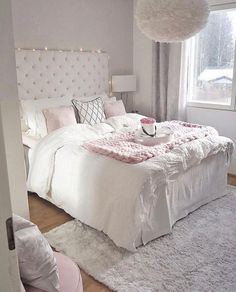 38 Cute and Girly Bedroom Decorating Tips for Teenagers cute bedroom ideas; Bedroom Decor For Teen Girls, Small Room Bedroom, Cozy Bedroom, Home Decor Bedroom, Master Bedroom, Bedroom Wardrobe, Bedroom 2018, Bedroom Boys, Bedroom Red