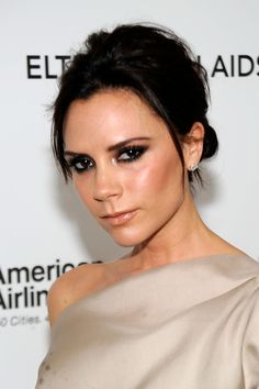 A diamond face is characterized by narrower eyes and jaw line but dramatic cheek bones.An angled arch can help draw eyes up away from pointed facial features, such as high cheekbones or a sharp chin.Celebrity Inspiration: Victoria Beckham