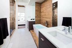 Unique bathroom with glass shower enclosure-Home and Garden Design Ideas Bad Inspiration, Bathroom Inspiration, Bathroom Interior, Modern Bathroom, Wood Bathroom, Washroom, Master Bathroom, Home Interior Design, Interior Architecture