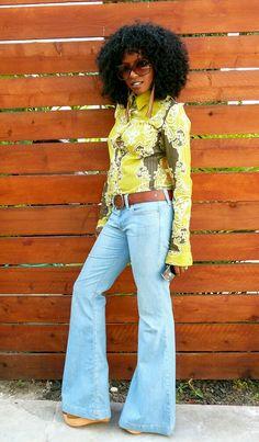 H Shirt + Free People Bell Bottoms 70s Fashion, Fashion Pants, Autumn Fashion, Fashion Spring, 70s Outfits, Fall Outfits, Fashion Outfits, Flare Jeans Outfit, Leotard Fashion