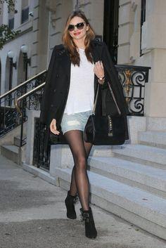 ミランダ・カー、ダブルブレストコート×デニムミニスカート×アンクルブーツでお出かけ | 海外セレブ&セレブキッズの最新画像・私服ファッション・ゴシップ | Jinclude