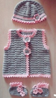 Crochet beautiful set for the smallest, consisting of a jacket, hat and bootees. Pattern for crochet baby set Source by yayatua Sets Crochet Baby Sweaters, Crochet Baby Clothes, Baby Knitting, Knit Crochet, Crochet Hats, Free Crochet, Baby Girl Crochet, Crochet For Kids, Crochet Designs