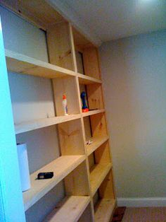 Deux Maison: Inspired to build! DIY Built-in Bookcase!