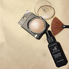 Mi par favorito para verano: Baked Highlighter con el MakeUp Mist & Set es la combinación perfecta para un súper reflejo ✨ ¿Cuál es su iluminador favorito? ✨ Muchas gracias a @elfmex ✨#HoyVoyConTodo  #highlighters #mexicanblogger #playbeautifully #elfmx #bloggermexicana #thatsdarling #makeup