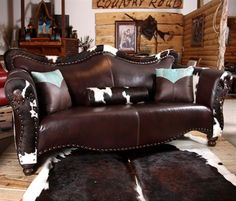 Country Road Furniture 1900S World Western Sofa