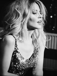 The Kylie Minogue Forum Kylie Minogue Hair, Dannii Minogue, Melbourne, Kylie Minouge, Jessica Chastain, Black And White Portraits, Female Singers, Celebs, Celebrities