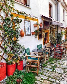 Portariá, Magnisia, Greece... Samos Greece, Make It Yourself, Outdoor Decor, Restaurants, Architecture, Twitter, Spring, Design, Gardens