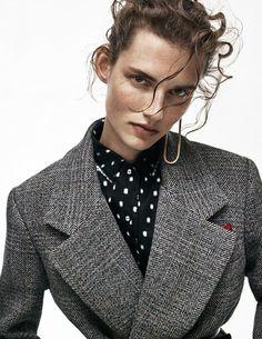 la veste cintrée ⚫ grey wool gris vest and polka dots blouse chemisier pois blanc et noir