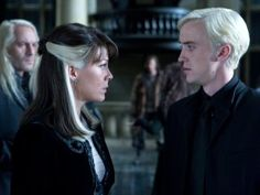 Harry Potter and the Deathly Hallows: Part I - Publicity still of Jason Isaacs, Tom Felton & Helen McCrory. The image measures 3600 * 2400 pixels and was added on 1 July Harry Potter Gif, Harry Potter Draco Malfoy, Harry Potter Pictures, Harry Potter Characters, Draco Malfoy Mother, Harry Potter Style, Severus Snape, Hermione Granger, Tom Felton