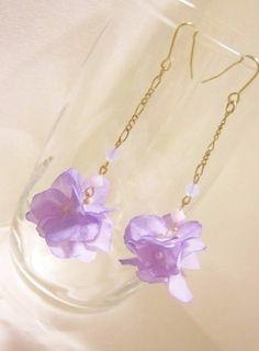布の小花とスワロのピアスorイヤリング(薄紫) | iichi(いいち)| ハンドメイド・クラフト・手仕事品の販売・購入
