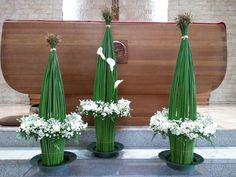 Tropical Flower Arrangements, Tropical Flowers, Deco Floral, Arte Floral, Flora Design, Church Flowers, Ikebana, Flower Decorations, Flower Designs