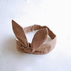 【moi】Kralik Hair Band > make for Etta for Easter! Bunny Ears Headband, Ear Headbands, Baby Bunny Ears, Sewing For Kids, Baby Sewing, Kids Wear, Cool Kids, Hair Bows, Baby Kids