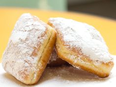 Sugar Rush: Beignets from Bob's Coffee & Donuts in Los Angeles | Serious Eats: Sweets