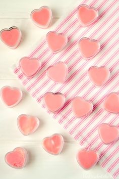 DIY Strawberry Lip Gloss is perfect for kissable lips! Cute Valentine treat in these fun heart containers. This whips up in minutes and tastes & smells great! Best Lip Balm, Diy Lip Balm, Homemade Moisturizer, Moisturizer For Dry Skin, Diy Lip Gloss, Lip Balm Recipes, Oil Free Makeup, How To Make An Envelope, Lots Of Makeup