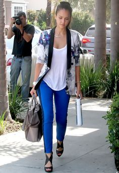Hudson Jeans LeeLoo Jean in Blue My Mind - as seen on Jessica Alba Jessica Alba Style, Cobalt Jeans, Tuxedo Stripe Pants, Star Fashion, Womens Fashion, Fashion Beauty, Patterned Jeans, Celebrity Look, Celeb Style