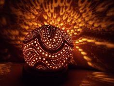 Lampe d'ambiance en noix de coco sculptée  Carved white (young) coconut lamp : €60 . Visit our online shop with the link below (Lampe en noix de coco blanche,visitez notre boutique en cliquant le lien suivant:  VENDUE (sold)