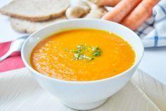 Eine gesunde und nahrhafte Suppe kochen Sie mit dem Karotten Ingwer Suppen Rezept.