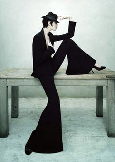 2005: Jaeger London; a contemporary and highly-covetable collection of women's clothing and accessories launches, modelled by Erin O' Connor.