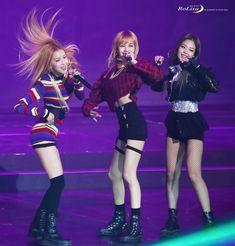 © 로리사 - blackpink, rosé, lisa, jennie! #kpop #yg #blink