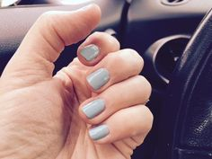 The challenge is on - share your DIY #mani-selfie in support of fair conditions at nail salons. Today: tiffany blue.