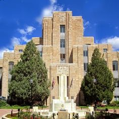 Full step pyramids are apparent in other buildings, such as the Boulder County Courthouse in Colorado (seemingly modeled on the Djoser Pyramid in Egypt) David Victor Vector: What IS Art Deco? A Little Background