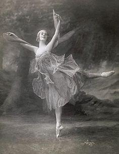 .Ana Pavlova...Russian premier ballerina