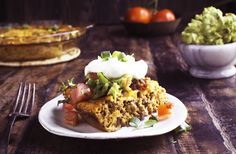 This Low-Carb Crustless Taco Pie makes an easy spicy dinner that works in low-carb ketogenic diabetic Atkins diabetic and Banting diets. Taco Pie Recipes, Mexican Food Recipes, Low Carb Recipes, Dinner Recipes, Cooking Recipes, Healthy Recipes, Diabetic Recipes, Party Recipes, Dinner Ideas